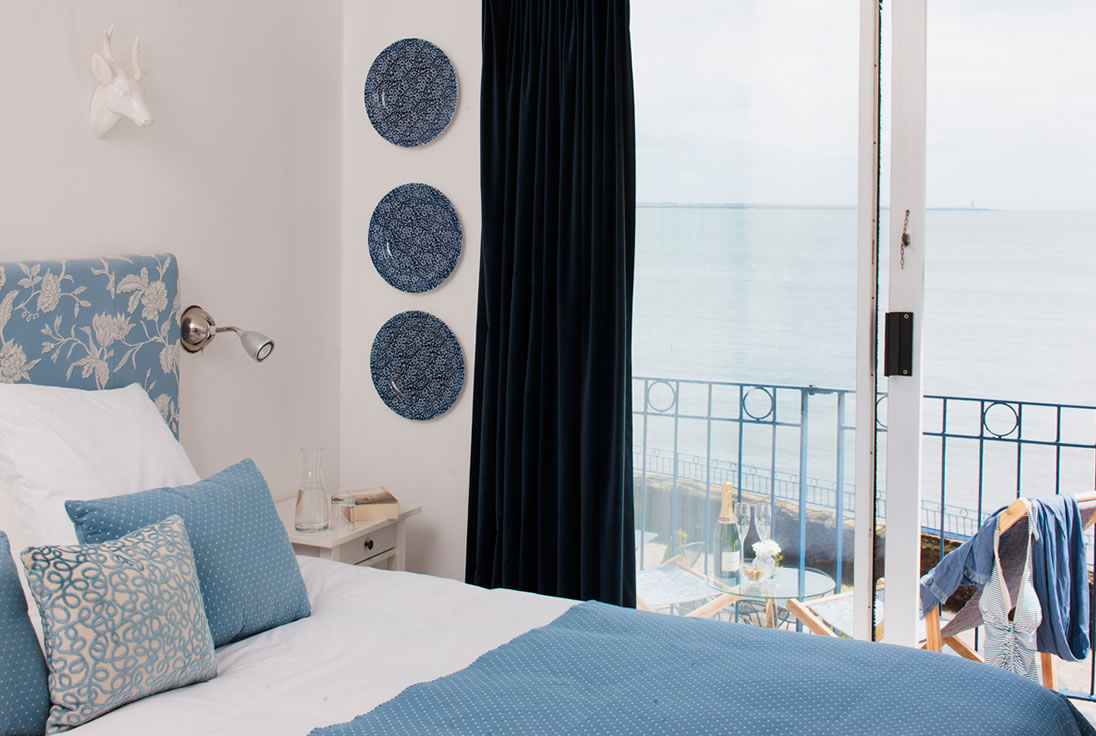 Accommodation dunmore east waterford the strand inn for Design strandhotels